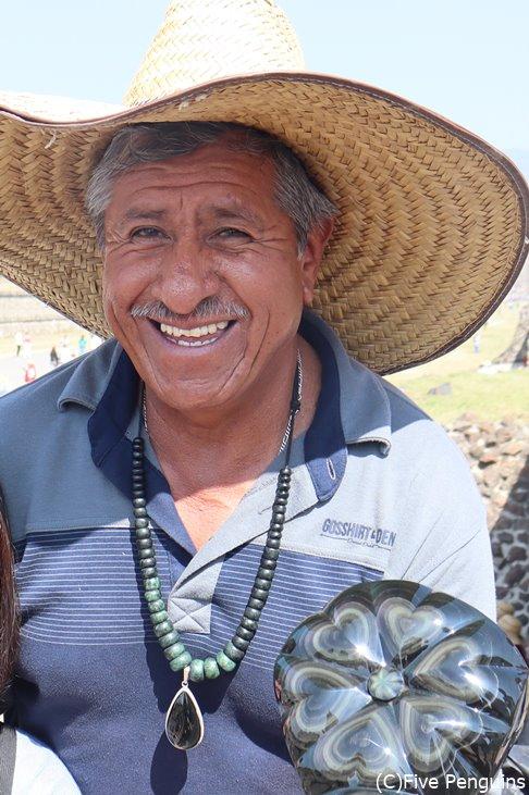 屈託なさ過ぎるメキシコのおやじたち。早くこの笑顔に会いたい。