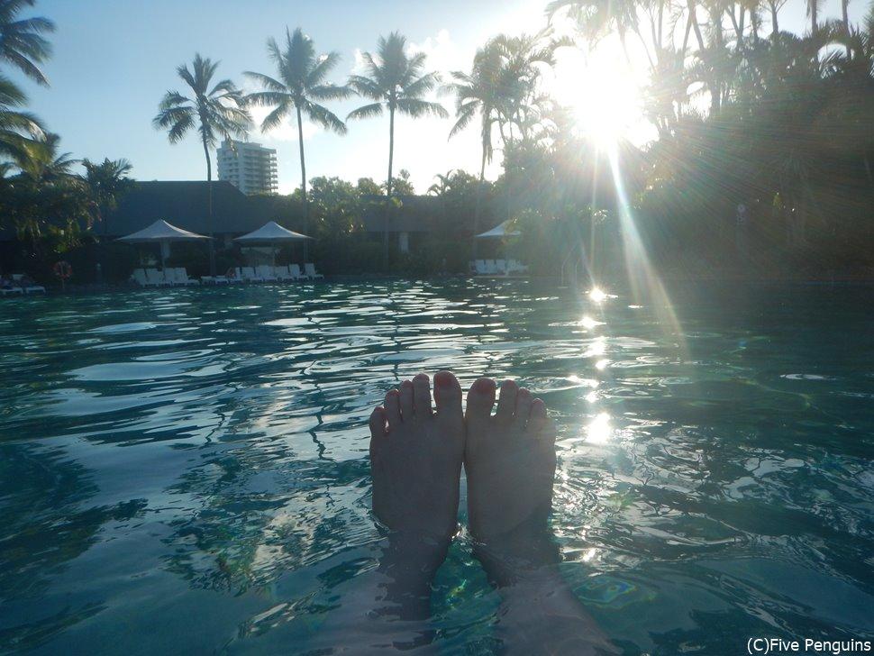 プールでゆっくり自分の時間を楽しんで♪