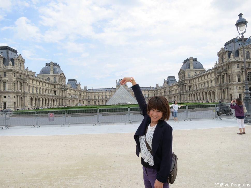 パリの旅行でルーブル美術館は外せないですよね~