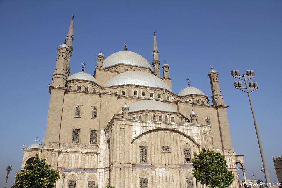トルコのアヤソフィア大聖堂をモデルに造られたモハメッド・アリ・モスク