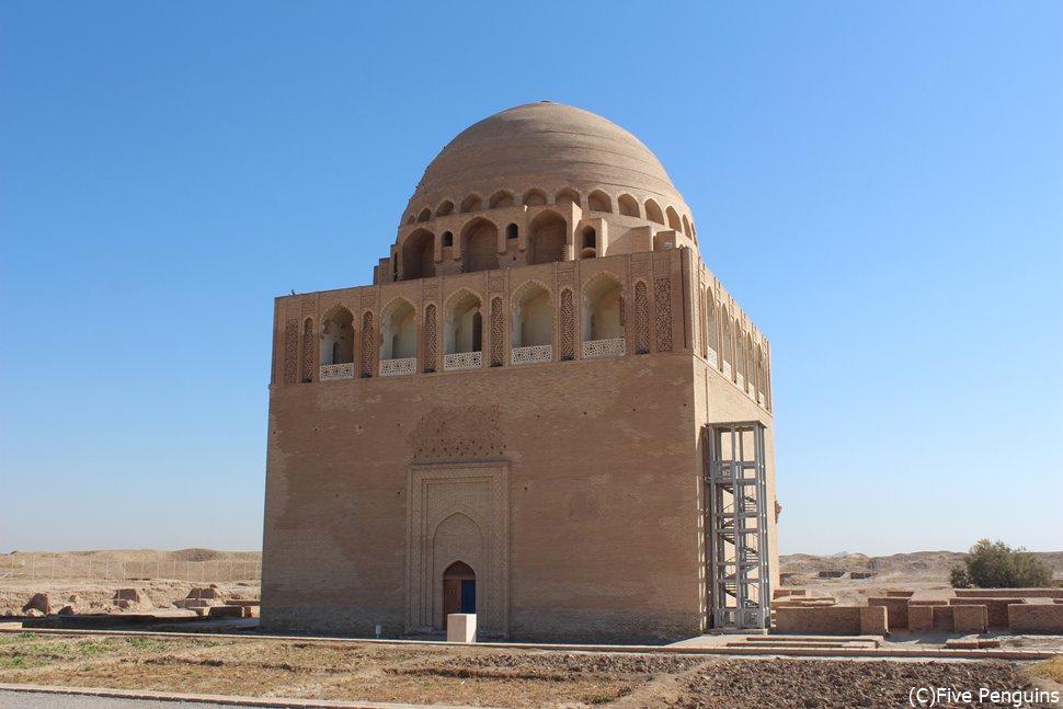 中央アジア最大のメルヴ遺跡は世界遺産です。