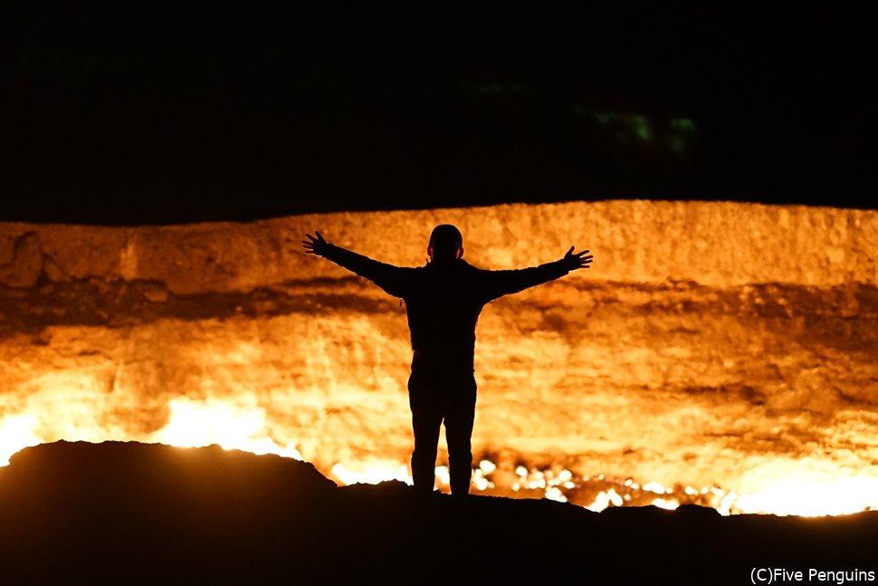 トルクメニスタンで一番おススメの観光ポイント、地獄の門