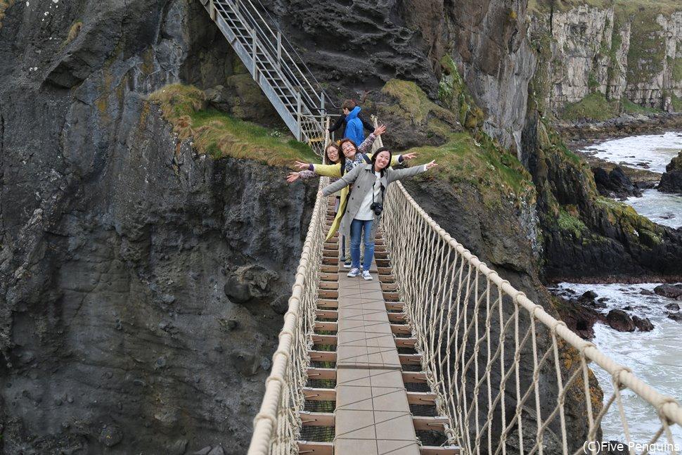 迫力満点のキャリック・ア・リード吊り橋(北アイルランド)
