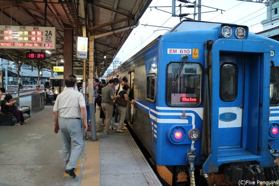 電車も日本と似ていて使いやすそう♪