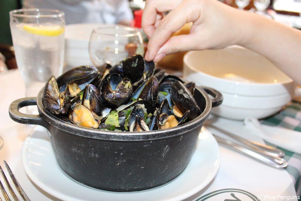 イロ・サクレ地区にある有名レストラン「シェ・レオン」