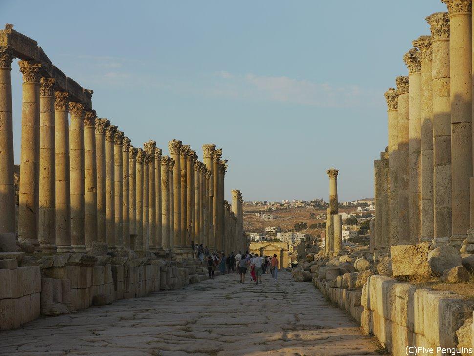 「中東のポンペイ」とも呼ばれるジェラシュ遺跡