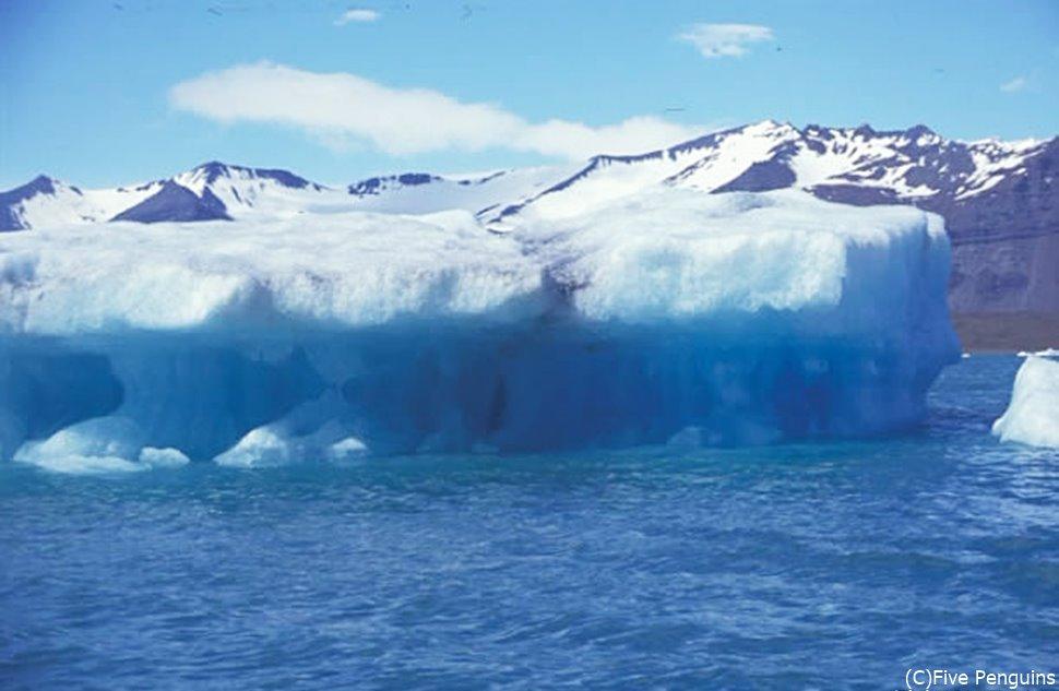 ヴァトナヨークトル氷河湖