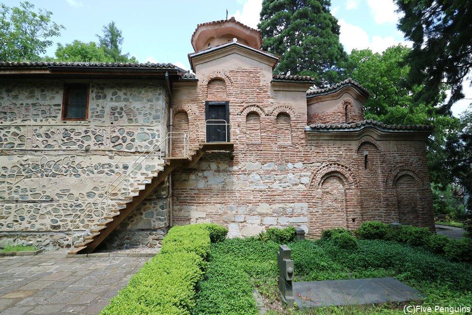 右から11世紀、13世紀、19世紀の順に増築されている。