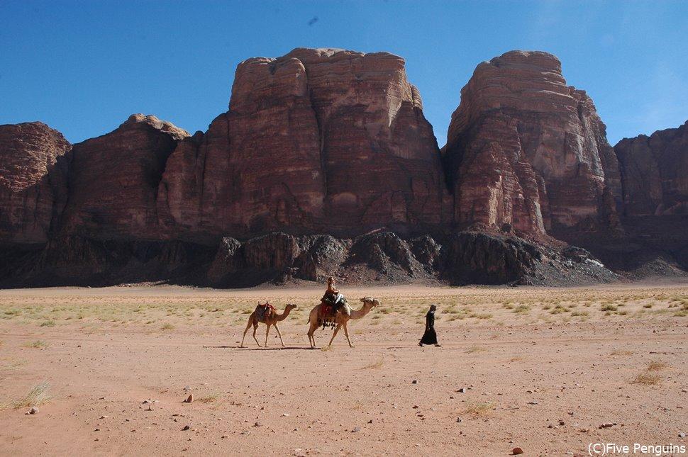 ヨルダンのワディラムは、ペトラ遺跡や死海に引けを取りません。