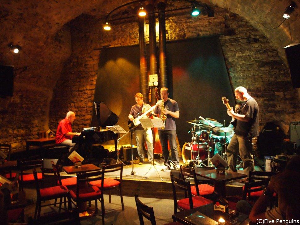 人気沸騰のプラハは観光だけでなく、ジャズクラブもおすすめです。