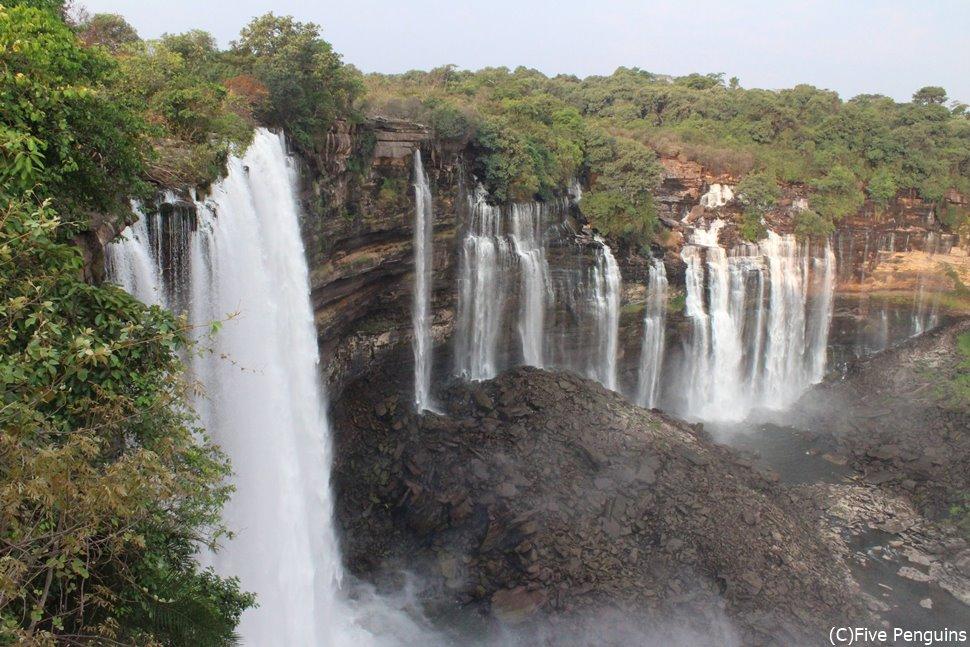 カランドゥラの滝はアンゴラ人の自慢