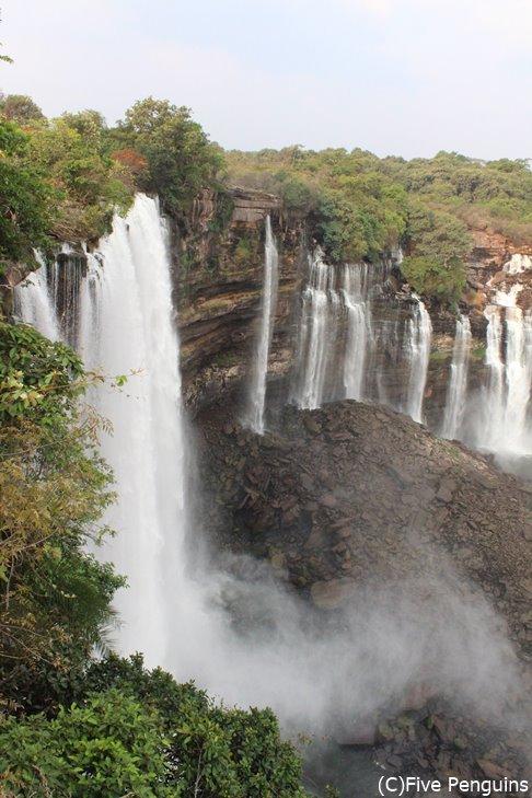 カランドゥーラの滝はビクトリア滝に次いでアフリカ第2の滝