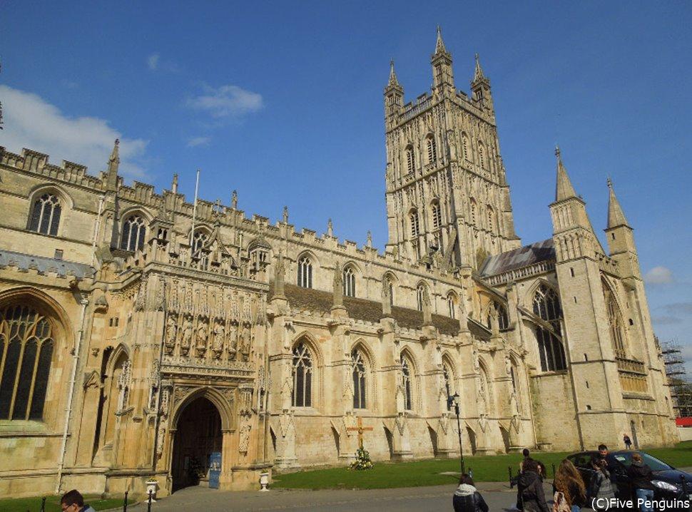 晴れた日の大聖堂の美しさは圧倒的。