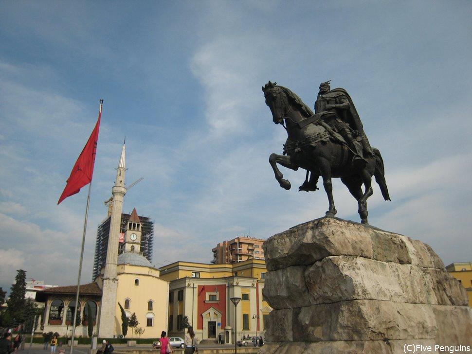 ティラナの中央広場