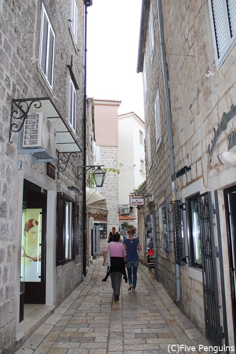 中世の雰囲気が残るブドゥバ旧市街