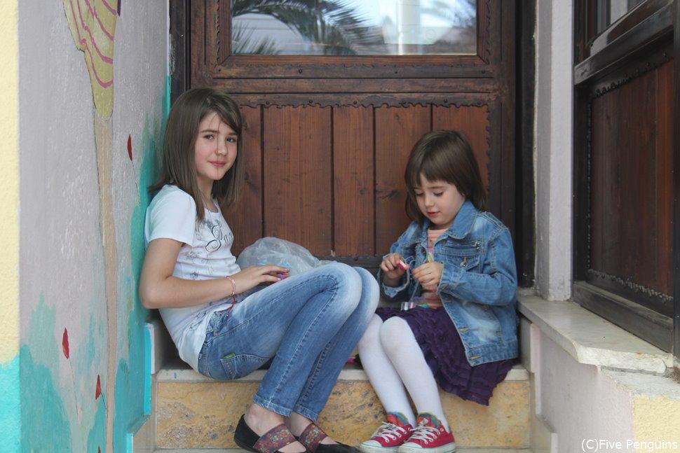 気軽に撮影に応じるポドゴリッツァの町中で見かけた女の子