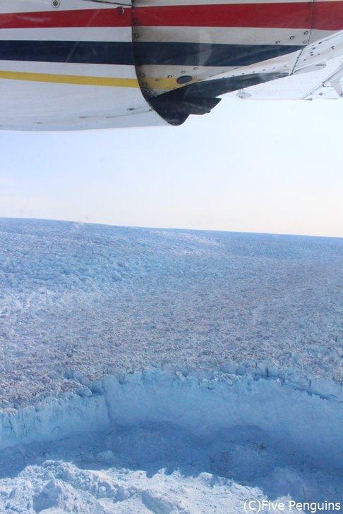 あちこちで見られるダイナミックな氷河
