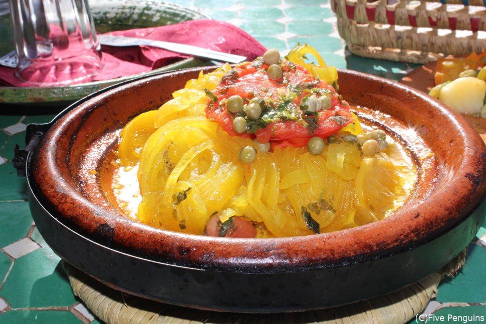 タジン鍋(トドラ渓谷/モロッコ)