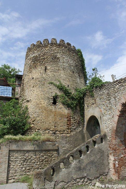 城壁に囲まれた、旧市街への入り口