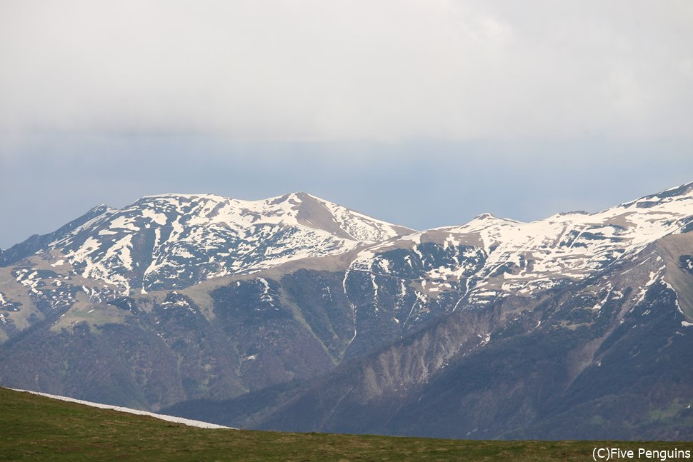 軍用道路から見るコーカサスの山々