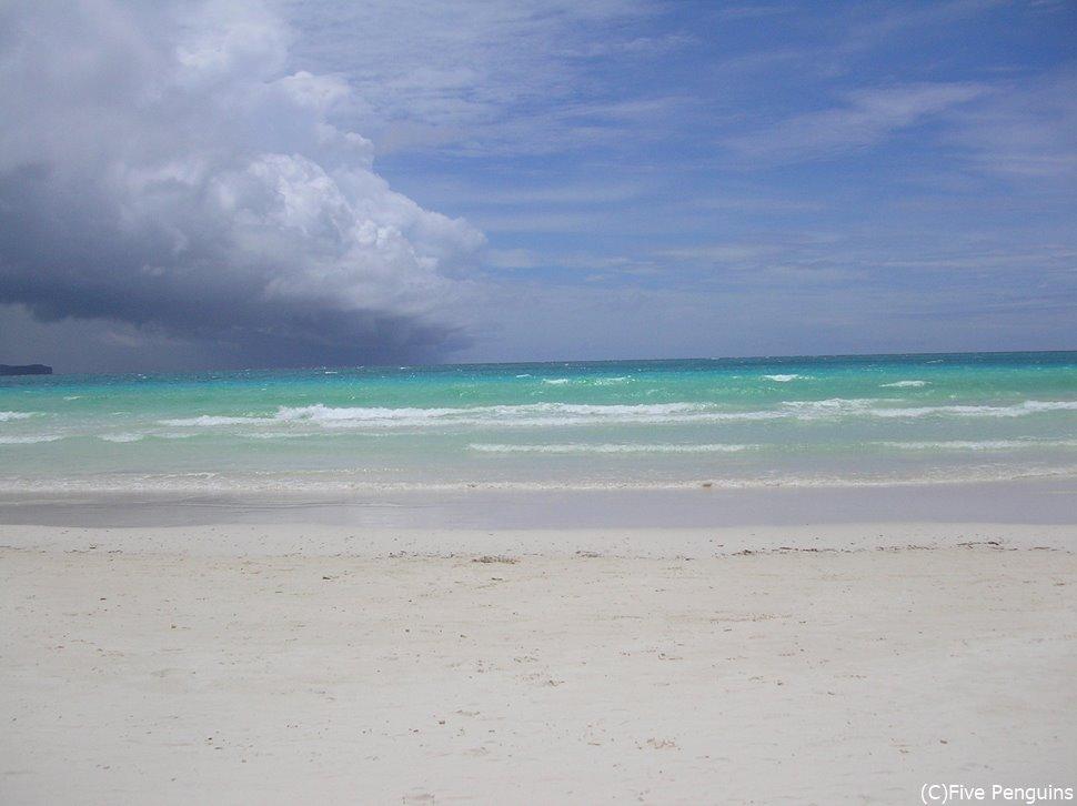 ボラカイの美しいホワイトサンズビーチ