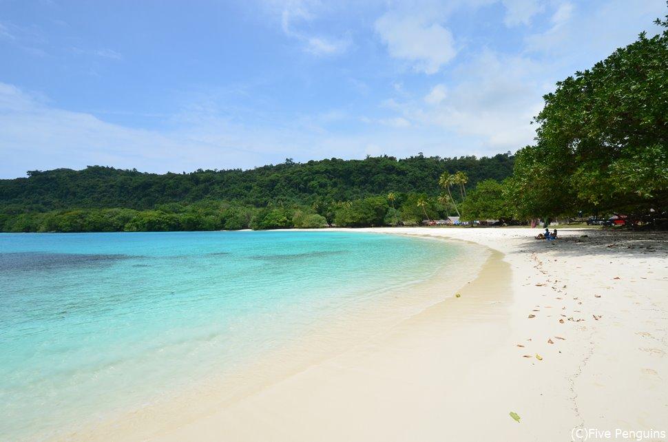 サラサラの砂浜が広がるシャンパン・ビーチ