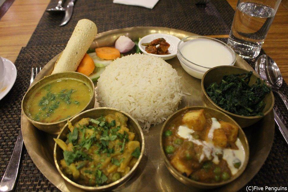 ネパールの伝統料理 ダルバート