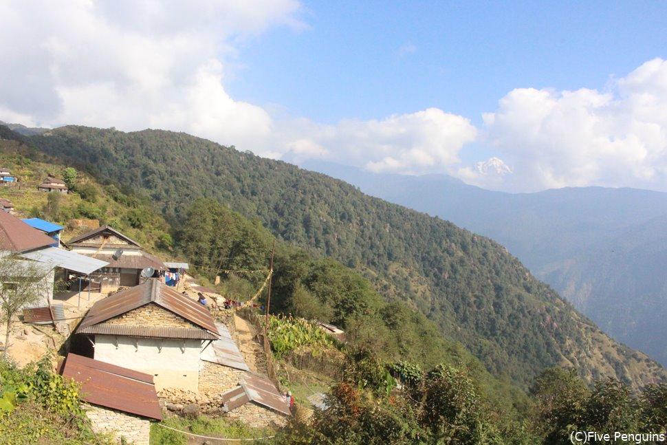 近隣のナユ村訪問 大自然に囲まれた村<ガーレ村>