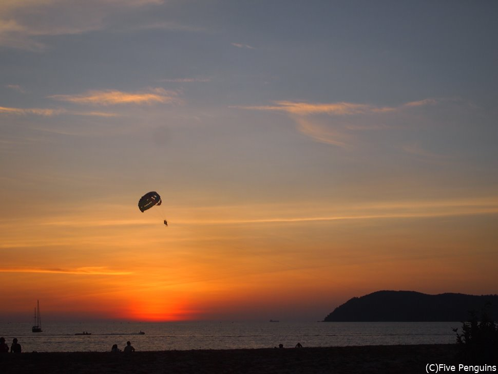 夕陽も美しいランカウイ島/海でのんびりするのが似合う島
