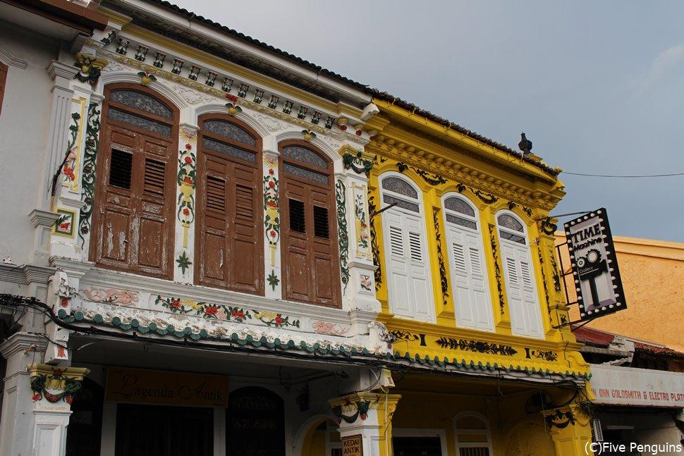 プラナカン文化の素敵な建築物が残るジョンカーストリート