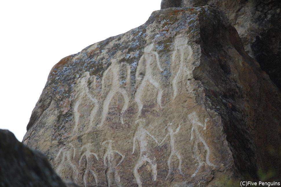 ゴブスタン遺跡(壁画)祭りの様子だろうか?想像するのも楽しみの1つです