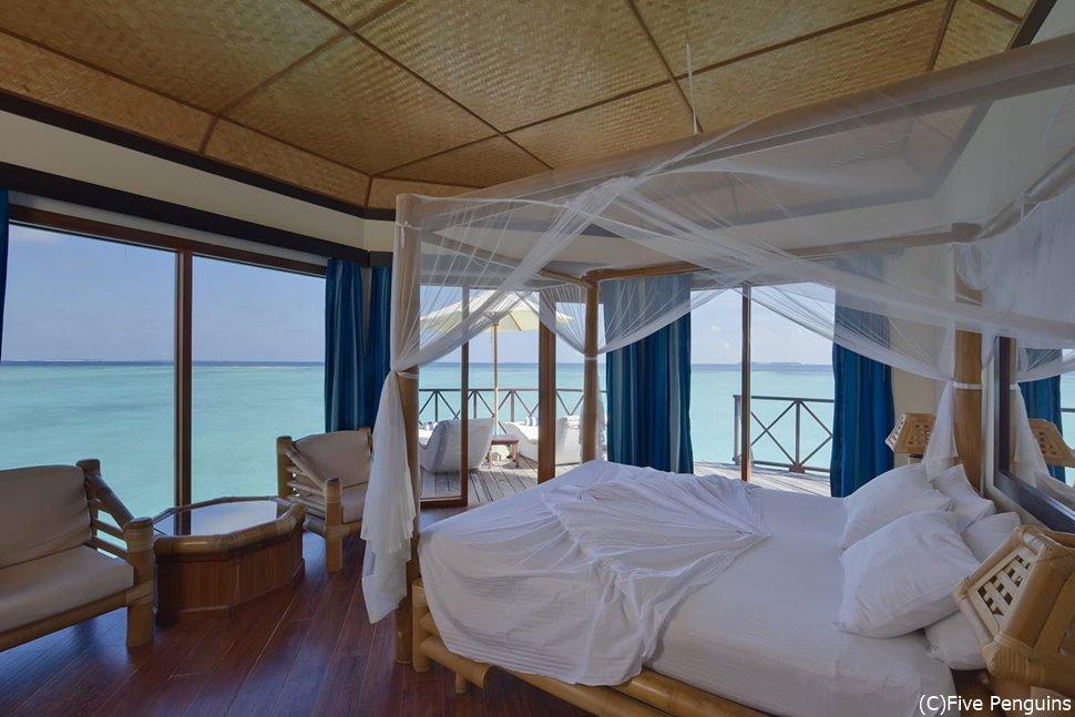 トラギリアイランドリゾート・水上バンガロー。
