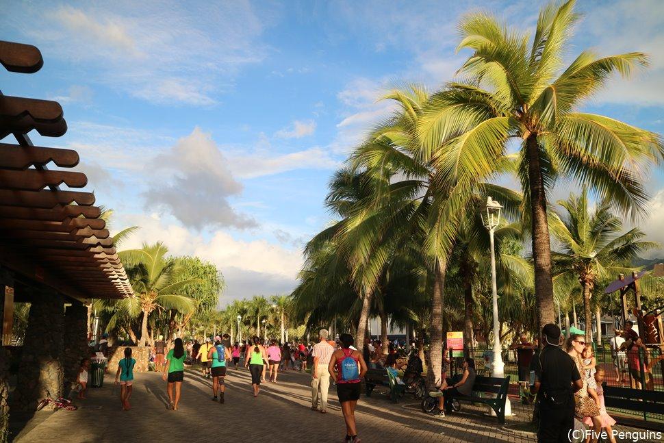 ボウルダーの写真がまだないため、写真はタヒチのマラソン大会