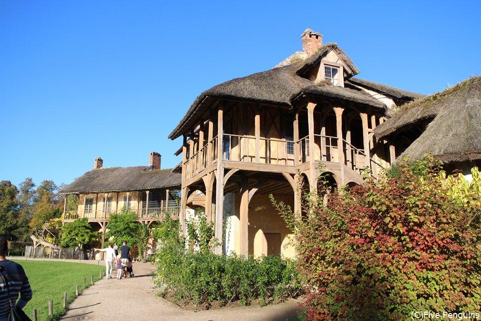 王妃の休息の村はメルヘンで可愛らしい