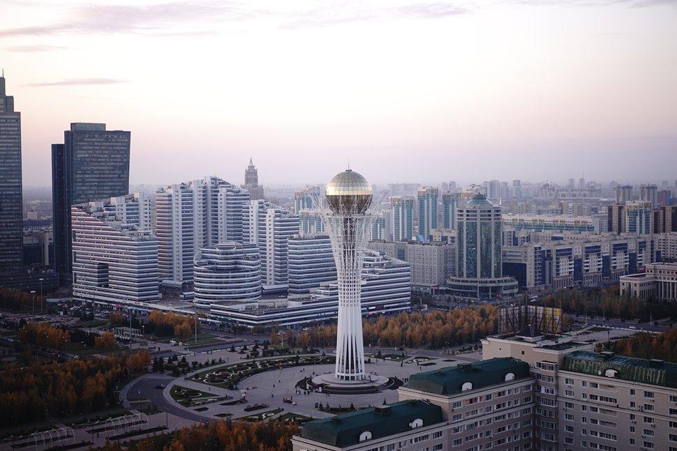 バイテレク(モスクワ・ビジネス・コンプレックスのレストランからの眺望)